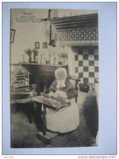 BELGIQUE       BRUGES   -   SOPHIE LINZEELE   NEE LE 4 JUIN 1822    -   DENTELLIERE AU BEGUINAGE        ANIME       TTB