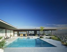 Stahl House (Case Study House #22)   Los Angeles Conservancy-- 1949, architect Pierre Koenig
