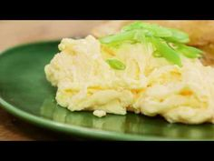Poached Scrambled Eggs | Everyday Gourmet S7 E8 video - Everyday Gourmet with Justine Schofield