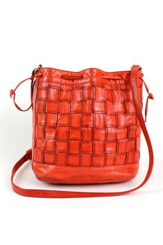 Vintage Sharif red woven leather bucket bag in a blazingly bright shade of  poppy. 219a1c9e8ecc3