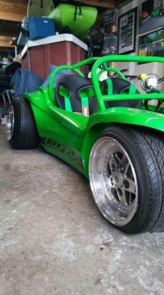 Love this buggy Vw Beach, Beach Buggy, Vw Cars, Pedal Cars, Vw Dune Buggy, Dune Buggies, Jetta A4, Diy Go Kart, Automobile