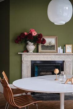 Farrow & Ball tapped design firm Roman and Williams to launch 16 new paint shades, inspired by the Natural History Museum in London. See the new paint colors here. Trending Paint Colors, Paint Colors For Home, House Colors, Paint Colours, Room Colors, Paint For Kitchen Walls, Living Room Paint, Living Rooms, Living Spaces
