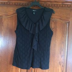 Black Polka Dot Sleeveless Blouse Black Polka Dot Sleeveless Blouse in fantastic condition from a smoke free home. Stretchy material - 16% Spandex. Figure flattering. Bundle for additional savings ❌NO TRADES❌NO LOWBALL OFFERS ACCEPTED❌ Style & Co Tops Blouses
