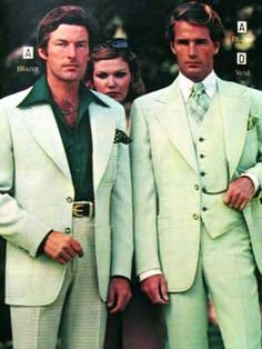 leisure suit: a man's casual suit, consisting of pants and a matching shirtlike jacket, often in pastel colors. 1977 Fashion, Retro Fashion, Vintage Fashion, Disco Fashion, Seventies Fashion, Fashion Night, London Fashion, Patti Hansen, Green Suit