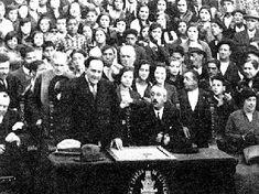 """En 1927 fue elegido miembro de la Real Academia Española de la Lengua, aunque este nunca llegó a presentarse en el discurso de ingreso. En 1932 recibe un homenaje en Soria por escribir teatro en compañía de su hermano Manuel. ( """"La Lola"""")"""