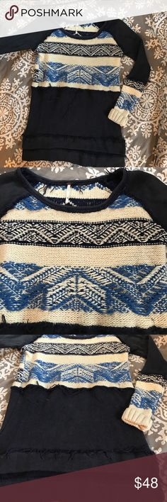 FREE PEOPLE FREE PEOPLE GORGEOUS top. Size XS navy sweater material with frayed detail. Free People Sweaters Crew & Scoop Necks