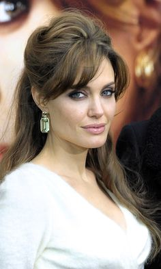 Angelina Jolie Softens The Beehive Look At 'The Tourist' New York Premiere, 2010