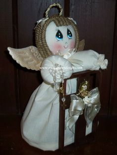 """Prayer Stool with Angel Centerpiece. This beautiful table centerpiece is 100% handmade. 12"""" tall. Perfect for your first communion, they come available in any color, Each centerpiece includes a personalized tag for your event."""