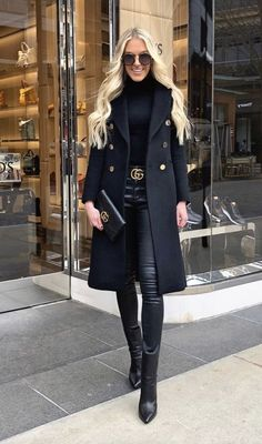 All black outfit - Outfits ta Winter Coat Outfits, Winter Fashion Outfits, Chic Outfits, Classy Fall Outfits, Black Coat Outfit, All Black Outfit Casual, Black Turtleneck Outfit, Leather Pants Outfit, Black Outfits