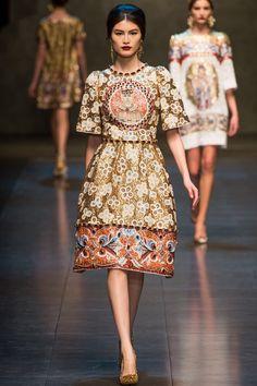 Dolce & Gabbana Fall 2013 Ready-to-Wear Fashion Show - Sui He