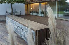 Tre-terrasse utenfor