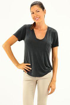 American Vintage - T-Shirts - Abbigliamento - T-Shirt con scollo a V e taschino sul davanti. - CARBONE - € 90.00