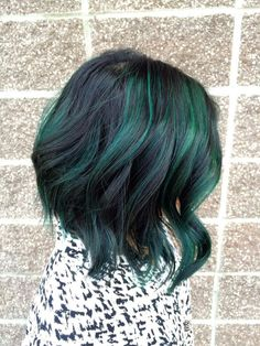 50 Hottest Balayage Hairstyles for Short Hair - Balayage Hair Color Ideas - Hairstyle 2019 Hot Hair Colors, Green Hair Colors, Cool Hair Color, Purple Hair, Black Hair With Color, Green Hair Streaks, Peacock Hair Color, Dark Teal Hair, Short Green Hair