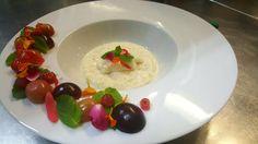 Tapiokový puding s bielou čokoládou a sezónnym ovocím
