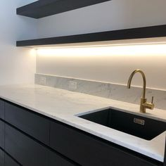 """@catalina_burradoo on Instagram: """"Butlers pantry opposite side #kitchen #butlerspantry #marble #carrara #stevesjoinery #lomaxprojects #taskerconstructions #brass…"""" Butler Pantry, Carrara, Joinery, Sink, Marble, House Styles, Brass, Interior, Instagram"""
