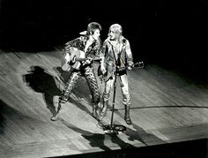 David Bowie with Mick Ronson on stage turning the Ziggy Stardust run in Spiders From Mars, Vancouver, Ziggy Played Guitar, Mick Ronson, David Bowie Ziggy, The Thin White Duke, Tribute, Major Tom, Thing 1