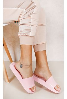 Melissa Beach Slide Rosa Fashion Closet - fashioncloset-mobile Fancy Shoes, Cute Shoes, Me Too Shoes, Melissa Shoes, Cute Slippers, Sport Sandals, Women Sandals, Shoes Women, Women's Feet