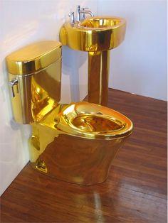Don't judge me 😆 but I would so get a gold toilet. Bathroom Design Luxury, Bath Design, Bathroom Interior, Interior Design Living Room, Cool Toilets, Toilet Art, Toilette Design, Royal Bedroom, Bedroom Crafts