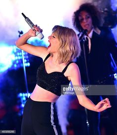 Image from http://cache1.asset-cache.net/gc/460956286-taylor-swift-performs-during-new-years-eve-gettyimages.jpg?v=1&c=IWSAsset&k=2&d=GkZZ8bf5zL1ZiijUmxa7Qaq170xZ4Y75EJIoxa3%2BLctz3azALFTKn1JoeLoQIdWQ5q%2F513tIZKUpn%2BUkB7L8nw%3D%3D.
