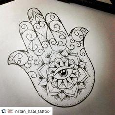Desenho criado pelo artista tatuador @natan_hate_tattoo disponível p tatuar... #Tattoo #drawing #hamsa #maodefatima #tatuagemfeminina #lotus ##tatuagem #leviptattoo #manaus