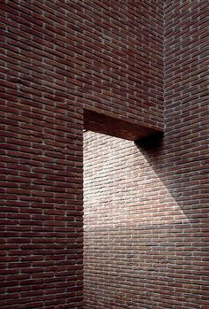 masonry I vincent van duysen Brick Architecture, Contemporary Architecture, Interior Architecture, Luigi Snozzi, Vincent Van Duysen, Brick Facade, Brick Design, Brick And Stone, Brickwork