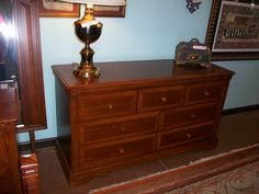 Broyhill Charleston Square Desk With Hutch | Designed For Change Augusta,  Georgia | Consignment Furniture Augusta | Consignment Shops Augusta | Homu2026