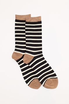 We're sock obsessed! Made from a soft bamboo blend, throw these stripey numbers on to add some flair to any outfit. The contrast hem and toe/heel detail adds interest and makes these guys part of our