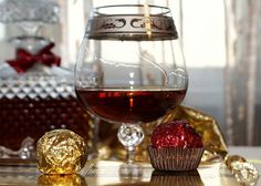 Homemade cognac - a recipe for making tinctures. berries of hawthorn (dry) - 10 grams pieces); Black Tea Benefits, Black Tea Bags, Vodka Recipes, Drink Recipes, Cheese Cloth, Red Wine, Raspberry, Alcoholic Drinks, Berries