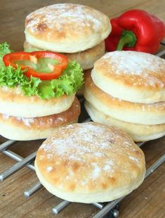 fluffigatekakor11 Salmon Burgers, Rolls, Food And Drink, Diet, Baking, Cake, Ethnic Recipes, Desserts, Homesteading