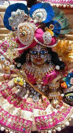 Mero jhoto so laddu gopal Cute Krishna, Jai Shree Krishna, Radha Krishna Images, Lord Krishna Images, Krishna Radha, Laddu Gopal Dresses, Bal Gopal, Quilling Work, Ladoo Gopal
