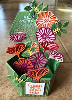 Pop Up Bouquet for Color Challenge 001 - Create With CherylCreate With Cheryl Box Cards Tutorial, Card Tutorials, Exploding Gift Box, Bouquet Box, Pop Up Box Cards, Card Boxes, Fancy Fold Cards, Folded Cards, Anna Griffin Cards