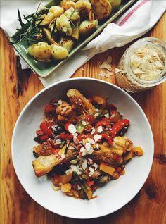 Dat Italianen begrijpen dat less vaak more is bewijst dit geweldige gerecht maar des te meer. De malse kip + gestoofde paprika = smaakexplosie!