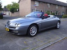 Alfa Romeo Spider 2002, Not available Stateside, but I can dream!