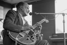Robert Lockwood, Jr. performing at the First Annual King Biscuit Blues Festival in 1986.