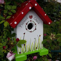 Decorative Bird Houses, Bird Houses Painted, Bird Houses Diy, Beaded Dragonfly, Dragonfly Art, Painted Boards, Painted Rocks, Wood Crafts, Diy And Crafts
