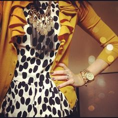 Chic: animal print with a pop of color