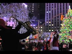 Christmas in New York City (Blizzard in Times Square 2010) - YouTube Christmas In The City, Christmas Windows, New York Christmas, Christmas Music, Christmas Carol, New York Vacation, Vacation Places, Vacations, Go To New York