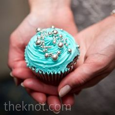 Chocolate cupcake with blue frosting, silver accents Teal Cupcakes, Frozen Cupcakes, Yummy Cupcakes, Turquoise Cupcakes, Velvet Cupcakes, Blue Frosting, Cupcake Frosting, Cupcake Cookies, Wedding Cake Cookies