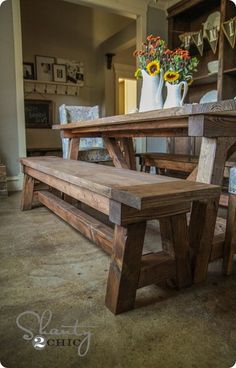 Build a stylish kitchen table with these free farmhouse table plans. They come in a variety of styles and sizes so you can build the perfect one for you. Farmhouse dining room table and Farm table plans. Decor, Diy Dining, Dining Table With Bench, Diy Bench, Dining Table, Farmhouse Dining Table, Home Decor, Dining Room Table, Rustic Dining Table