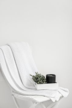 Lovely Pair Black VOGUE Candle | The White Company White Cable Blanket