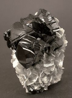 Cassiterite with Mica / Mount Xuebaoding, Sichuan, China / Mineral Friends <3