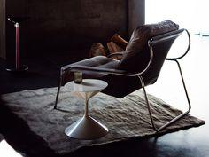 Zanotta MAGGIOLINA. Estructura de acero inox. Tapizado Eco o piel.