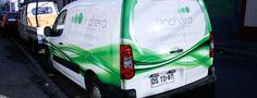Desarrollo de producción gráfica y decoración para vehículo corporativo de Agencia Pincheira Elapsed Time, Advertising