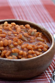 """These Vegan Baked Beans will surely be a ht at your next BBQ. That same 'old fashioned, simmered all day long"""" baked bean taste - without the stove. Vegetarian Recipes Dinner, Dinner Recipes For Kids, Vegan Dinners, Whole Food Recipes, Vegan Recipes, Cooking Recipes, Freezer Cooking, Vegan Foods, Baked Beans"""