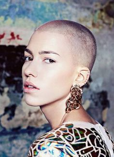 1000 images about women buzz cut on pinterest buzz cuts buzz cut hairstyles and jessie j. Black Bedroom Furniture Sets. Home Design Ideas