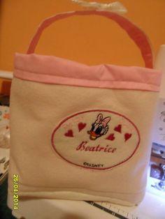 contenitore personalizzato per le cremine o i pannolini  della piccola nata!