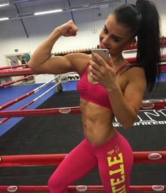 Fitness Girls daily pics for motivation Workout Humor, Gym Workouts, Chico Fitness, Funny Fitness, Bodybuilding Workouts, Bodybuilding Women, Fit Motivation, Muscle Girls, No Equipment Workout