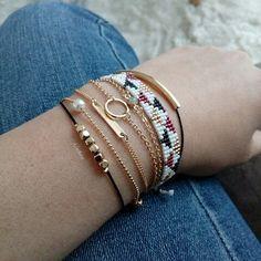 Bijoux du Jour! #ailesetmoi #miyuki #miyukiaddict #tissage #delica #perles #manchette #bracelet #jenfiledesperlesetjassume #perlezmoidamour #morgandetoi