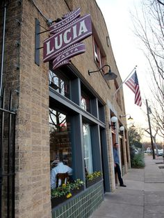 Lucia, Bishop Arts District, Oak Cliff (my hometown neighb), Dallas - featured on Chuck's Eat The Street