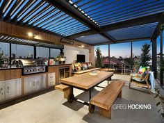 Alfresco room with tilt-able roof
